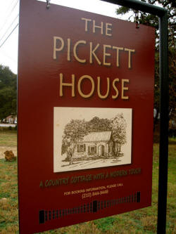 The Pickett House Bed and Breakfast guesthouse in Johnson City, TX.